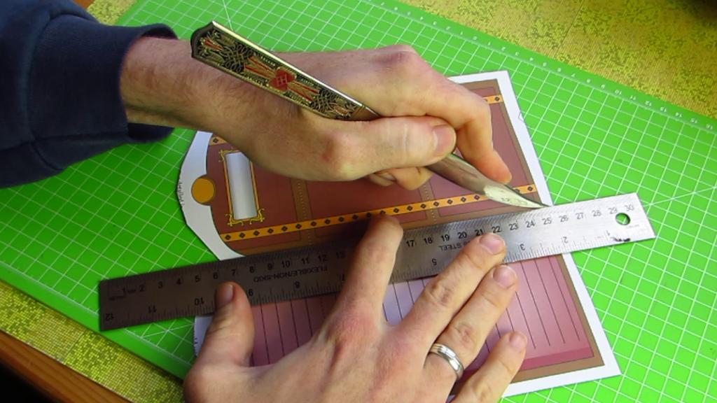 Score the folds - Paper Brain